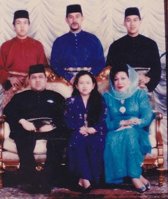 Image result for keluarga sultan kelantan