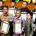 Bupati Bintan Terima Penghargaan Swasti Saba Wiwerda