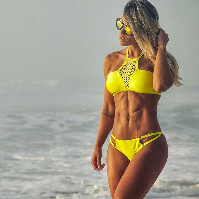Fitness Model Sabrina Toledo Instagram photos