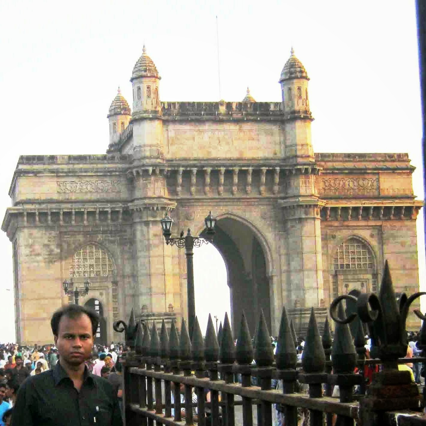 In Front of Gate of India