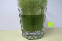 im Glas: matcha108 - Bio Matcha Tee in Premium Qualität (Ceremonial Grade), 108g direkt von der Öko-Plantage (kbA.)