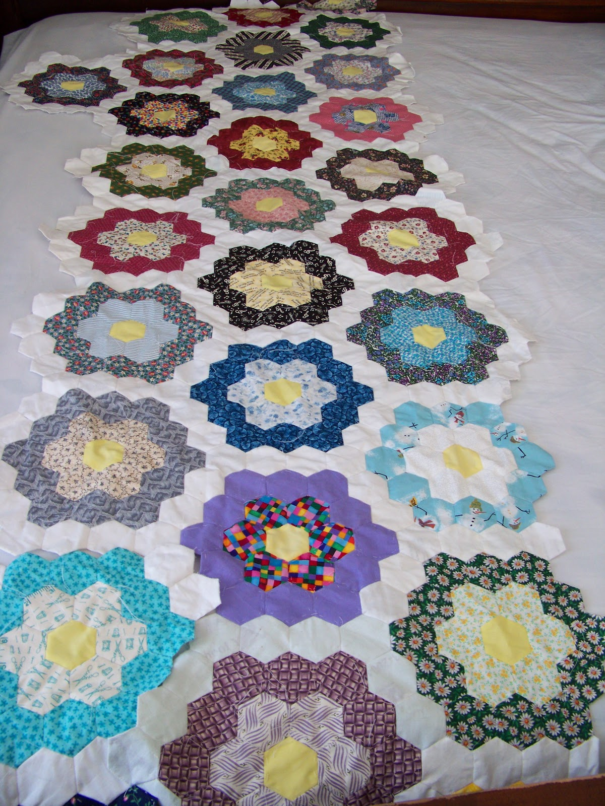 hexagon quilt template plastic - melodee sews stuff work in progress grandma 39 s flower