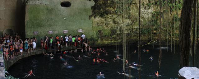 Disfrutando del Cenote Ik Kil