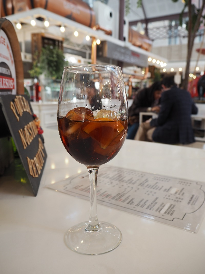 7 great places to eat in Seville - vino naranja