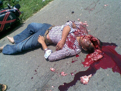 Road accident by bick Horror pic, Died man horror pic