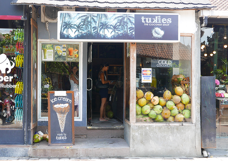 Euriental | fashion & luxury travel | Ubud, Bali, Tukies Coconut Shop