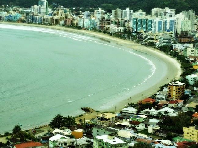 Praia Central de Itapema vista do mirante