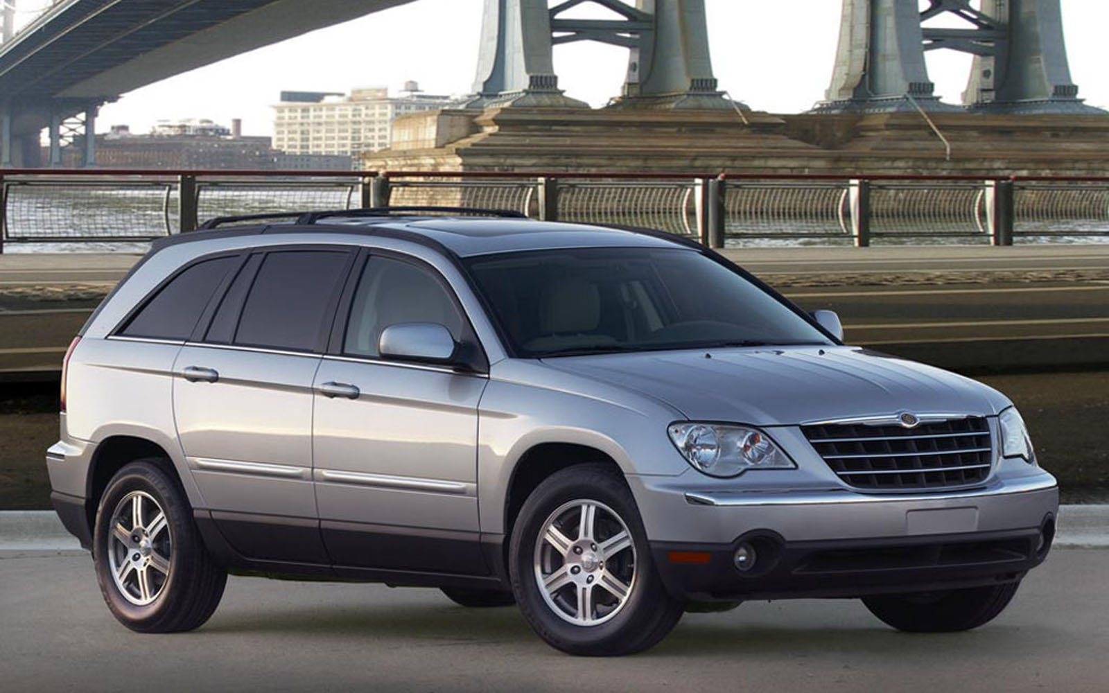 Chrysler pacifica uk