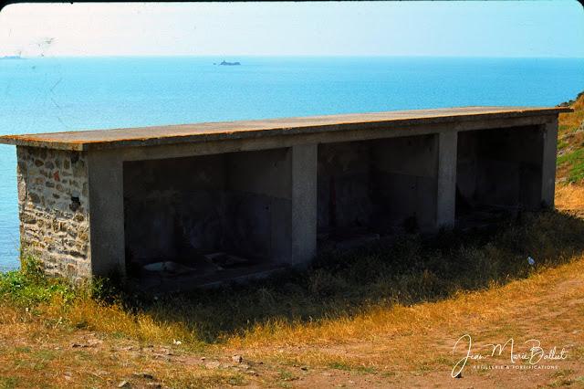 Fort d'Arboulé (la Varde). Latrines !