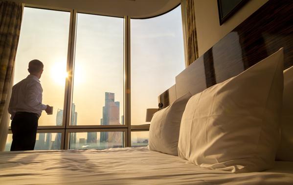 Apa yang harus dilakukan jika barang tertinggal di kamar hotel