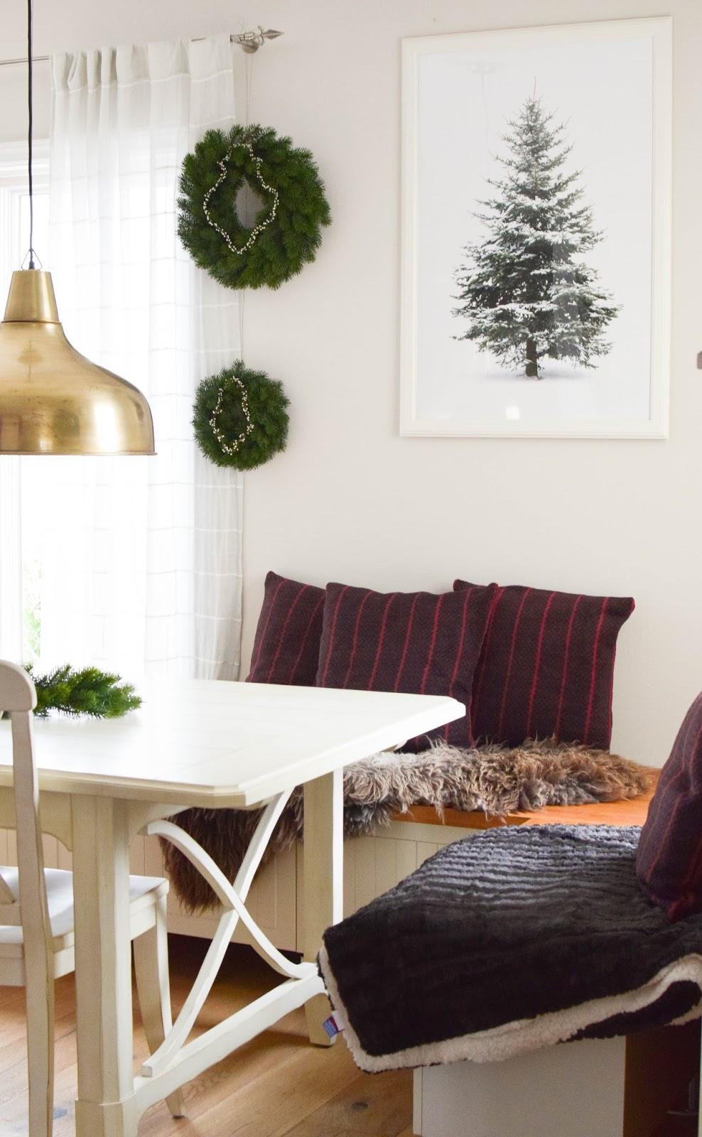 Deko Weihnachten Esszimmer Kissen Decke Plaid gemütlich einrichten Interior Tanne Kranz