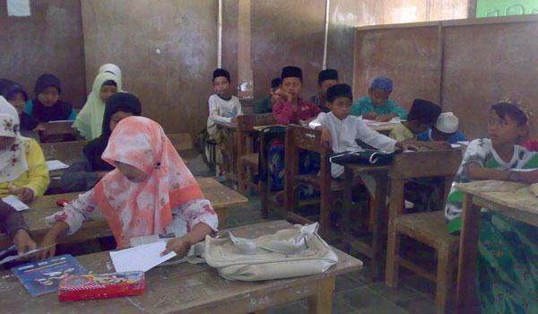 Contoh Tugas Kepala Madrasah dan Wakil, Wali Kelas dan Guru Diniyah