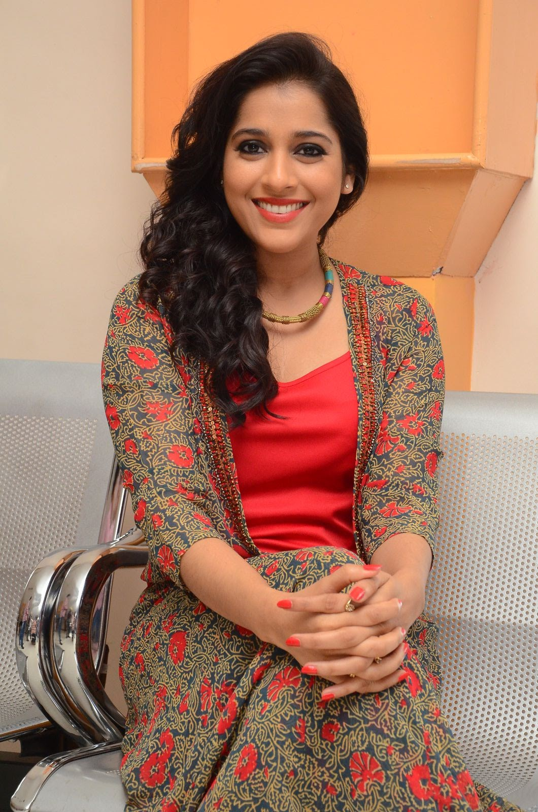 rashmi gautam new sizzling in red-HQ-Photo-10