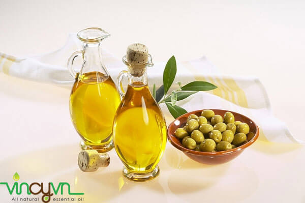 dầu oliu extra virgin sản phẩm từ địa trung hải