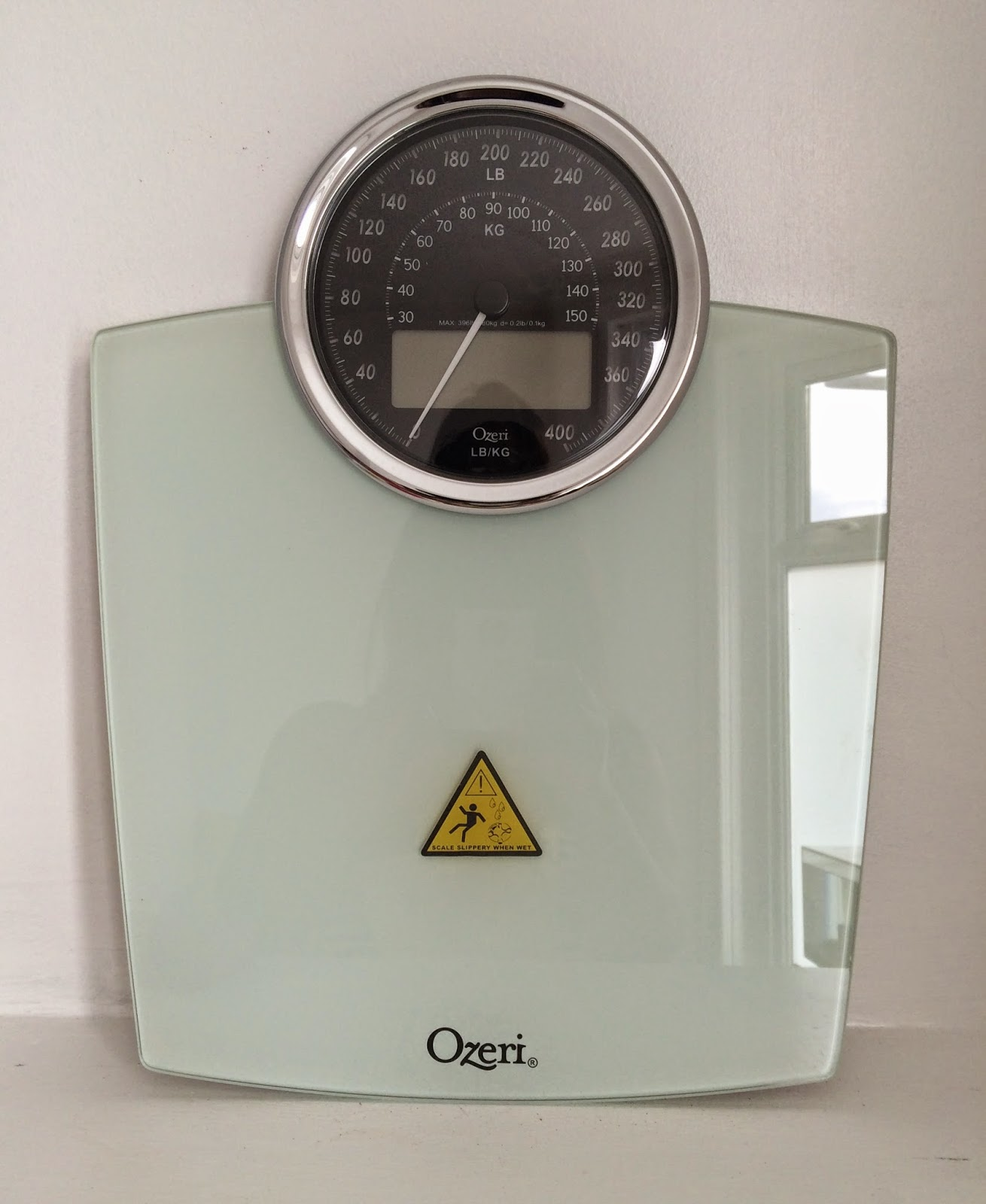 Bathroom Scale Ratings: Pretty Luscious Things: Ozeri Digital Bath Scales Review