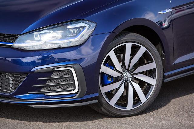 VW Golf GTE 2018 - rodas de 18 polegadas