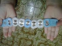 pulsera a crochet y anillas  de lata