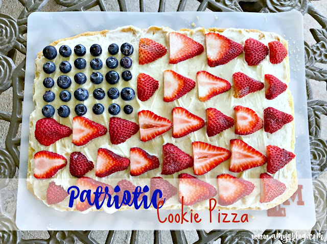 Patriotic Cookie Pizza for any summer event! #4thofjulydessert