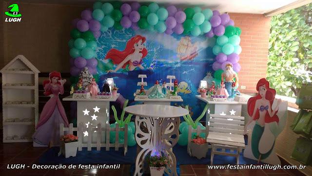 Decoração de festa infantil A Pequena Sereia - Mesa decorativa provençal simples