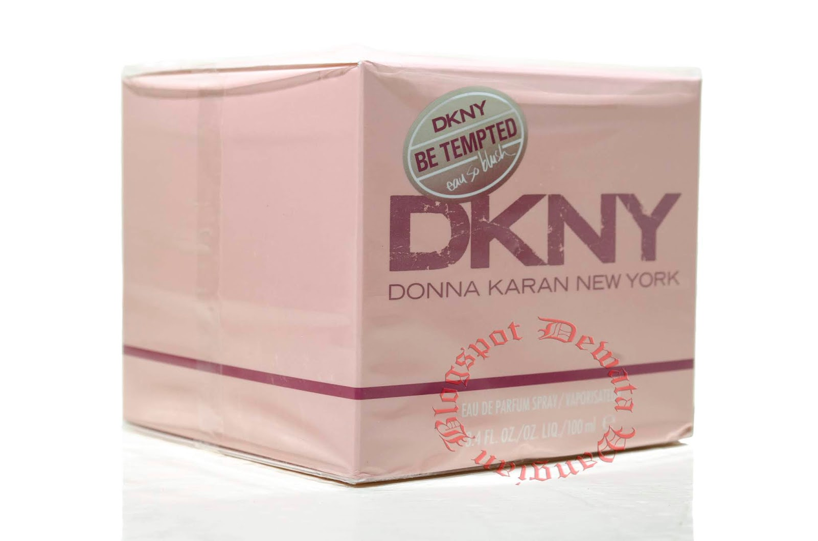 24c24c0de07d DKNY Be Tempted Eau So Blush actually contains no apple notes at all.  Instead, it is a light floral musk that manages to be both fresh and  feminine at the ...