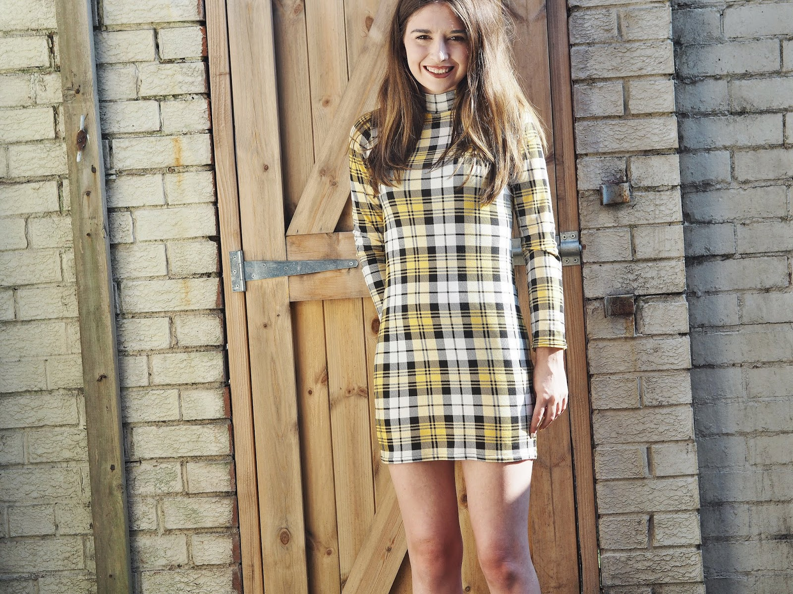 Fashion: Giving off those Clueless Vibes (and staying cool in this heatwave) | Hollie in Wanderlust | Fashion Blogger | Lifestyle Blogger | I saw it first dress