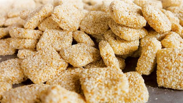 Bánh khô mè Cẩm Lệ - Đặc sản làm quà tuyệt vời