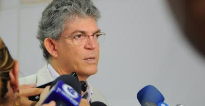 Ricardo Coutinho garante concurso público para professores ainda em 2017