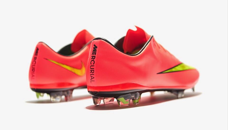 El botín ultra ligero de Nike conserva el material Teijin en toda su  carcaza 0e56bf3dfbd51