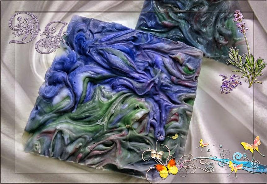 Delicias de jabón presenta su jabón elaborado con seda y leche de coco