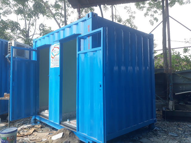 [Image: container-toilet-10-feet.jpg]