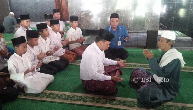 Pilkada Jateng, Harapkan Dukungan Ulama dan Umat Islam Pho Iwan Jadi Mualaf