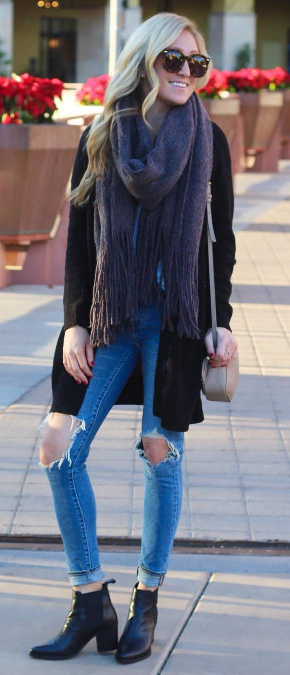 incredible fall outfit : scarf + black cardi + bag + rips + boots