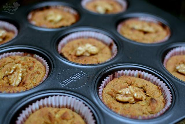 Muffins de harina de avena, manzana y zanahoria, postres fáciles