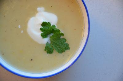 knolselderij-mosterd soep.