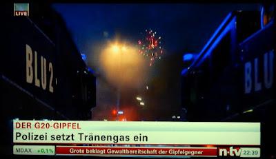 http://www.jetzt.de/politik/hamburger-andre-kramer-will-waehrend-g20-nur-kurz-zu-edeka-und-geht-viral