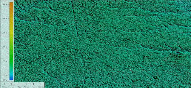 Изображения,  это данные со сканеров рельефа местности, в формате трёхмерных изображений. С лева вертикальная шкала показывает перепады высот, а нижняя горизонтальная шкала масштаб карты. Просматривая данную карту можно установить точный рельеф местности с точностью до нескольких метров. Подобную военную технологию, США используют для исследования дальних планет, даже археологи арендуют у военных подобные сканеры для обнаружения скрытых сооружений. Технология основана на лазерном, лучевом сканировании земли, исключительность данной технологии в том, что сканер проникает между деревьев и другой растительностью до самой поверхности. Так археологи находят скрытые храмы в джунглях Азии, и любые другие аномалии ландшафта искусственного происхождения в мире. Разрешение доступных мне бесплатных изображений со спутника, не позволяет мне рассмотреть в деталях объекты, которые всего несколько метров диаметром, но сканер обнаружил аномальные перепады высоты, на определённых кратеро-образных насыпях сканер показывает сильные перепады высоты до десятков метров. Будь-то луч сканера со спутника, попал в колодец, место с пустотой, эти зоны выделены среди других холмов цветом соответствующей высоты по заданной шкале. Возможно таким-то образом сканер наткнулся на пустоты или небольшие отверстия, которые трудно объяснить природным происхождением. Возможно это «якутские древние котлы» если использовать более детальный сканер, то можно обнаружить их подробную структуру, скрытую в тайге. Так же сканер обнаружил странные прямые линии, похожие на прорезы, внезапно начинающиеся и внезапно заканчивающиеся. Согласно легендам, огненные шары не только вырывали с корнями деревья, но и насквозь таранили скалы и горы, подобным образом и могли образоваться эти странные структуры похожие на линии геоглифы.  Так же сообщается что эти котлы состоят из неизвестного металла, который нельзя поцарапать или отломать кусочек. Подведя итог, можно прийти к выводу, что это некие объекты, созданные технологичес