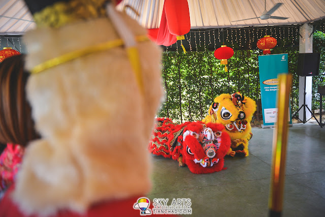 Lion dance to bring in good lucks for everyone