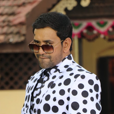 Dinesh Lal Yadav (Nirahua) age, Married, Family Name,The Kapil Sharma Show Season 2, Political Carrier, and Much More