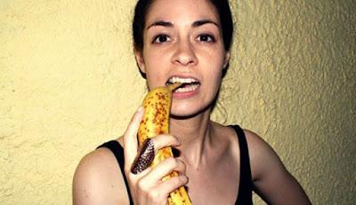 Έτρωγε μόνο μπανάνες για 12 ημέρες. Δείτε τα αποτελέσματα του πειράματος!!!Δείτε το βίντεο :