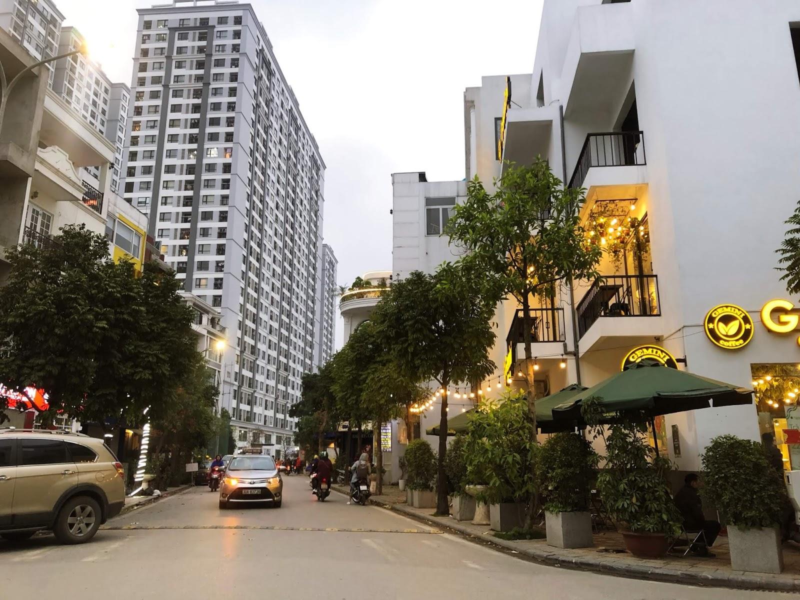Hướng nhìn từ cổng dự án 622 Minh Khai qua khu đô thị Times City