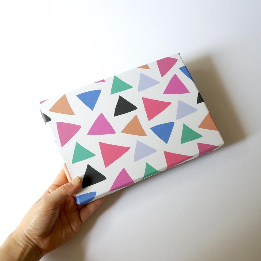 新作「cheerful triangle」ファブリックパネルも出来上がりました♩