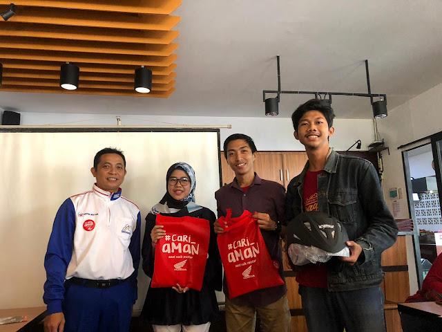 Kopdar Akbar Komunitas Blogger Pontianak Sekaligus Kampanye #Cari_aman