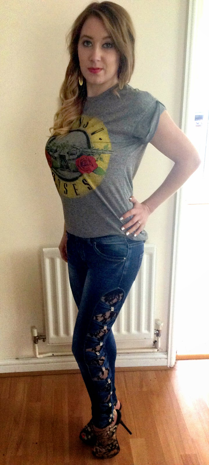 DressKode Alexia jeans with side cut out bows and lace