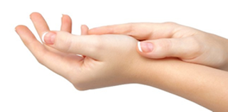 cara menghaluskan telapak tangan kasar