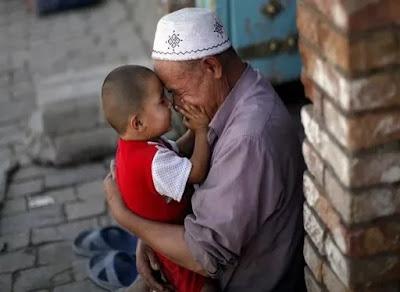 Cina Larang Nama Islami untuk para Bayi Xinjiang