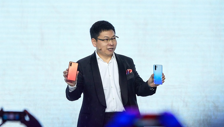 Huawei Launches P30 and P30 Pro; New Best Camera Phone!