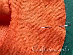 мягкие текстильные тыквы своими руками, как сделать тыкву из ткани своими руками мастер-класс, тыквы из ткани идеи, красивые тыквы из ткани фото, как сшить тыкву из ткани, как сшить подушку в виде тыквы, как сшить игольницу в виде тыквы своими руками, простой мастер-класс по изготовлению текстильной тыквы, тыквы из текстиля идеи, красивые тыквы из текстиля фото, красивые тыквы из разных материалов, как легко сшить тыкву мастер-класс, из чего можно сделать тыку, красивые игольницы из ткани, красивые диванные подушки, мягкая игрушка тыква мастер-класс, тыква в винтажном стиле, тыква в стиле шебби шик, тыква из трикотажа, как украсить текстильную тыкву идеи, тыквы для уклонения дома, осенний декор для дома в виде тыковок, оригинальные тыквы из текстиля, украшения для интерьера в виде тыквы, интерьерный декор на день Благодарения, интерьерный декор на праздник урожая, осенний декор, игольницы в виде овощей, подушки в виде овощей идеи, мастер-клааа по шитью тыквы, как сшить подушку тыкву мастер клас с пошаговым фото, как сшить игольницу пошаговый мастер-класс,поделки, поделки своими руками, поделки на Хэллоуин, украшения на Хэллоуин, поделки на Хэллоуин, текстиль, тыква текстильная, тыквы, шитье, поделки из текстиля, тыквы своими руками, декор интерьерный, декор на Праздник урожая, декор осенний, овощи текстильные, подушки, игольницы, мастер-класс, из ткани, из текстиля, для интерьера, декор домашний, декор на праздник урожая,Фигурная тыква с бантиком (МК) Тыква своими руками на Хэллоуин http://handmade.parafraz.space/