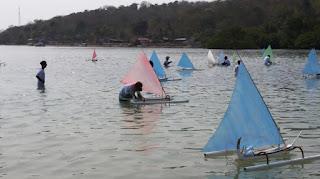 balap perahu mini