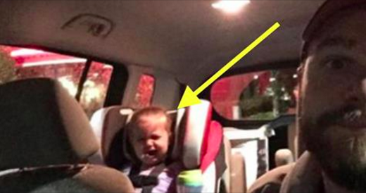 Ce père prend une photo de sa fille de 2 ans en pleurs et l'affiche aux yeux de tous. Le message qu'il essaie de faire passer va en faire réfléchir plus d'un!