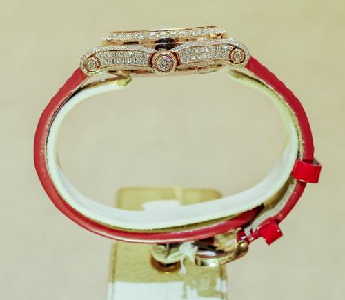 ngắm chiếc đồng hồ happy sport giá 1,5 tỷ của chopard